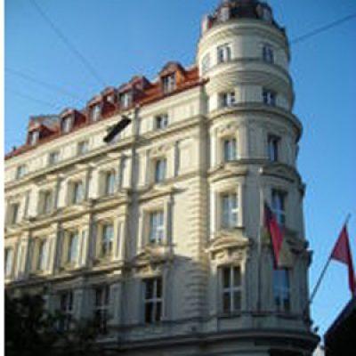 180px-Hotel_Mandarin_Oriental-1